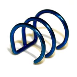 Edelstahlohrklemme mit PVD-Beschichtung - blau