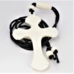 Stoffband mit Knochenanhänger Kreuz