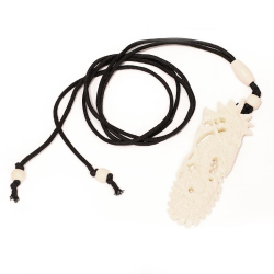 Stoffband mit Knochenanhänger Drache